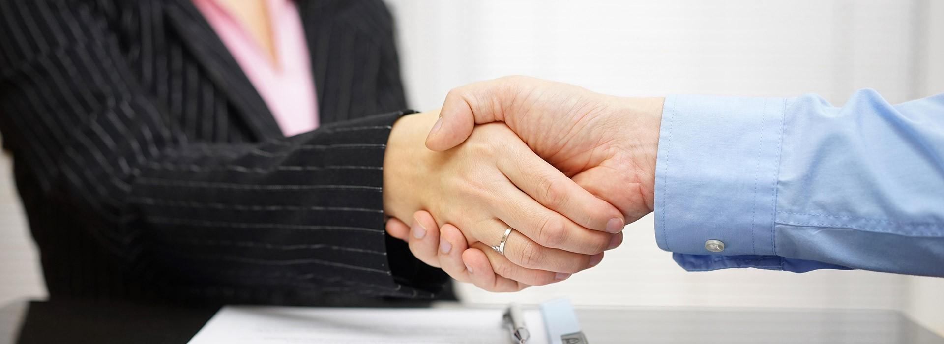 A könyvelés elsődleges feladata a bevallások pontos és precíz benyújtásán túlmenően a vállalkozók információigényeinek megfelelő időben történő kiszolgálása